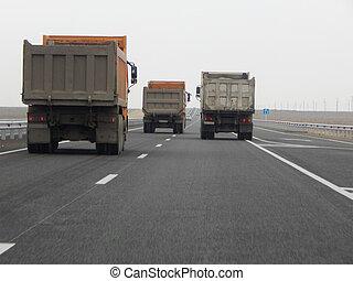 camions décharge, road.