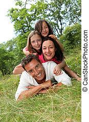 campagne, portrait, famille, heureux