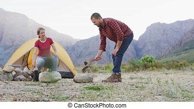 camper couples, caucasien, nature