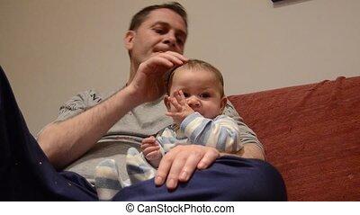 caresser, garçon, sien, vieux, mois, six, père, bébé
