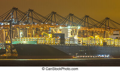cargaison, être, refueled, porteur, nuit, chargé, bateau