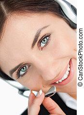 casque à écouteurs, femme, observé, vert