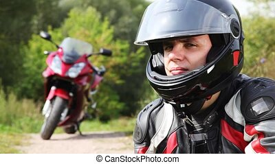 casque, voir, il, motard, fin, motocyclette, assied, visière