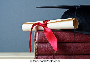 casquette, livres, rouleau, remise de diplomes