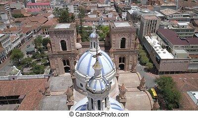 cathédrale, sur, dômes, célèbre, oct, bourdon, -, cuenca, 2017, mouches, 27, équateur, nouveau
