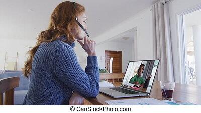 caucasien, leçon, ligne, ordinateur portable, utilisation, séance, avoir, bureau, prof, école, femme