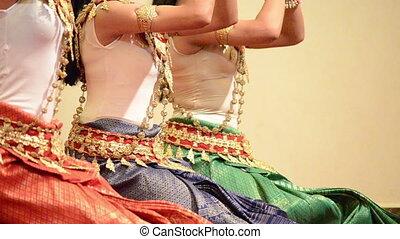 celectrial, aspara, danse