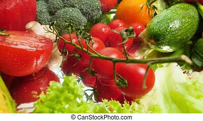 cerise, tomber, tomate, mouvement, mouillé, table, lent, vidéo, closeup, branche, vegetables., frais