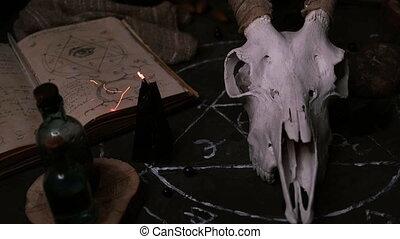 chèvre, vieux, halloween, cornes, blanc, noir, candles., decoration., aviron, livre