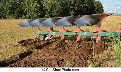 champ ferme, lentement, tracteur, labourage