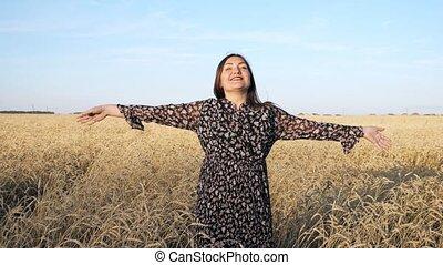 champ, jeune, mûre, blé, femme, tournoiements, promenades, sourire, robe
