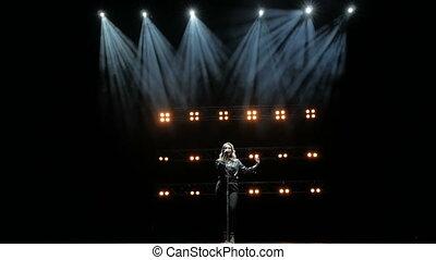 chante, lights., chanteur, beau, jeune, étape, chanson, fumée
