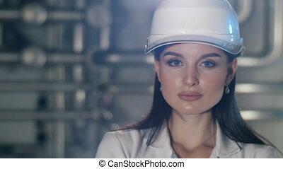 chapeau, femme, dur, jeune, ingénieur