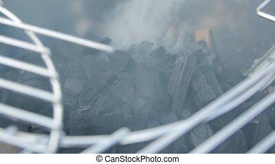 charbons, gril, fumée