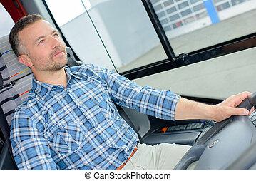 chauffeur, autobus, concentré, conduite