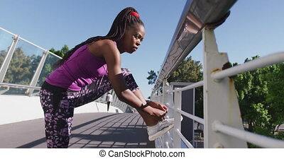 chaussure, balustrade, pont, femme américaine, africaine, attachement, dentelles, ville