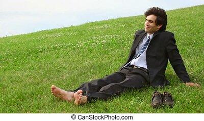 chaussures, séance, sans, vert, homme, herbe, beau