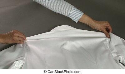 chemise, largeur, épaules, homme, mesurer, tailleur