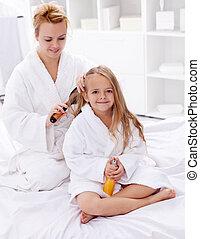 cheveux, après, peigner, bain