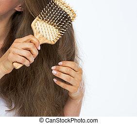 cheveux, femme, closeup, jeune, peigner
