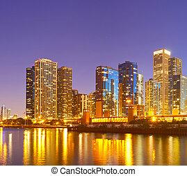 chicago, ville, bâtiments, éclairé, panorama, coloré, coucher soleil, en ville, réflexions, business, usa, horizon