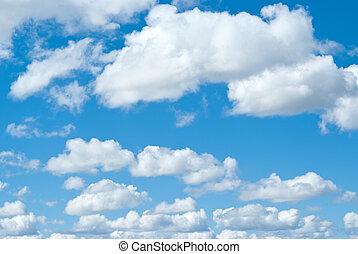 ciel bleu, nuages blancs