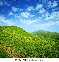 ciel bleu, vert, nuages, collines