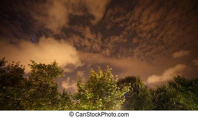 ciel, nuages mouvement, nuit