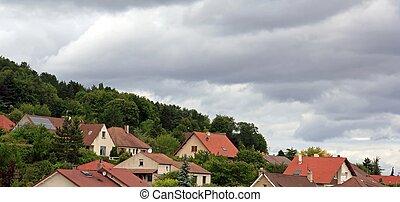 ciel obscurci, bourgogne, village