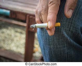 cigarette, homme, tenue, fumée, main