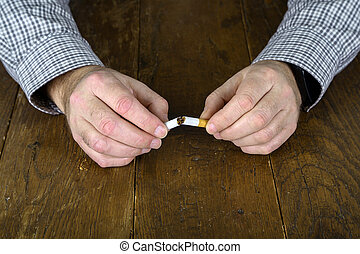 cigarette, main cassée, filtre