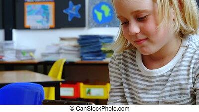 classe, écolière, bureau, numérique, vue, étudier, tablette, caucasien, 4k, devant
