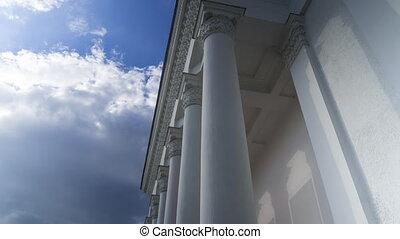 classique, défaillance, ciel, nuageux, contre, temps, blanc, colonnade, 4k