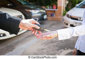 clients, utilisé, offrande, voiture, voiture., clã©, salle exposition, vendeur