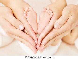 coeur, amour, nouveau né, signe, pieds, parents, bébé, simbol, hands.