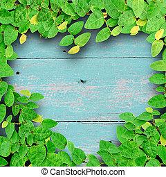 coeur, grunge, fixation, faire, arbre, color., forme, bois, arrière-plan vert, escalade, lierre, amour, concept.
