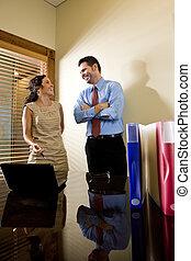 collègue, bureau, fonctionnement, ouvrier, hispanique, mâle