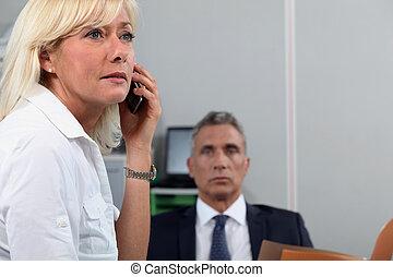 collègue, femme, bureau