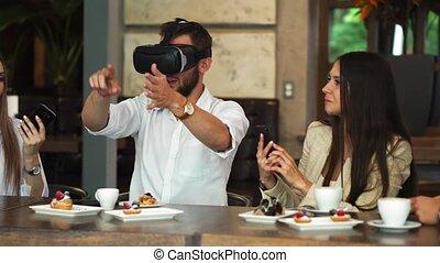 collègues, business, fonctionnement, équipe, jeune, réalité virtuelle, vr, lunettes protectrices, brain-storming, pendant, meeting., utilisation, entrepreneurs, lunettes