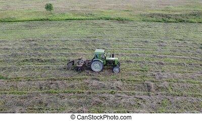collects, une, tracteur, ligne, foin, tedder