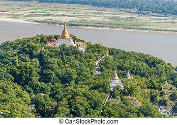 collines, ayeyarwady rivière, myanmar., sagaing, visibl, stupas