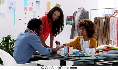 concepteurs, mode, travailler ensemble
