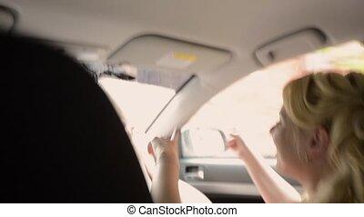 conduite, danse, couple, jeune, voiture., amusez-vous, agréable
