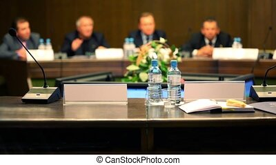 conférence, business, asseoir, hommes, unfocused, complet, table