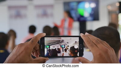 conférence, filmer, personne affaires, audience, smartphone