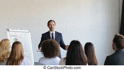 conférence, formation, groupe, professionnels, réussi, écoute, homme affaires, présentation, salle, séminaire