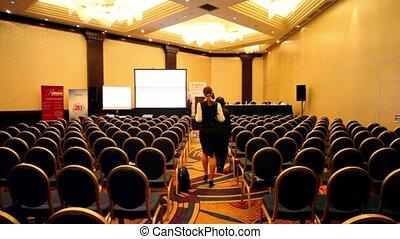 conférence, gens, promenade, coupure, pendant, salle, vide
