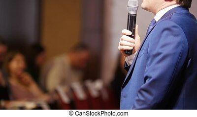 conférence, hall., microphone, business, conversation, utilisation, homme, étape