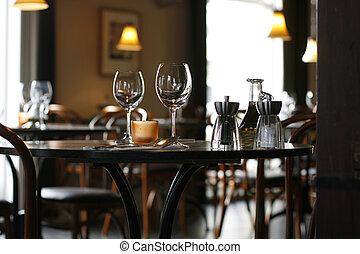 confortable, restaurant