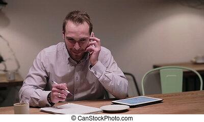 conversation, homme affaires, café, téléphone